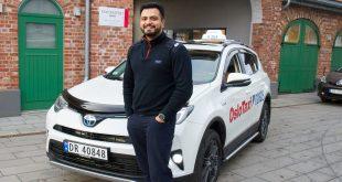 En av de som har gått over til Toyota i taxi-næringen er Ateef Latif i Oslo Taxi. (Foto: Toyota)