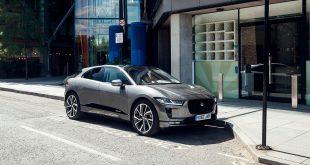Jaguars nye elbil brukte ikke lang tid på å slå seg inn på listen over mest solgte biler. (Begge foto: Jaguar)