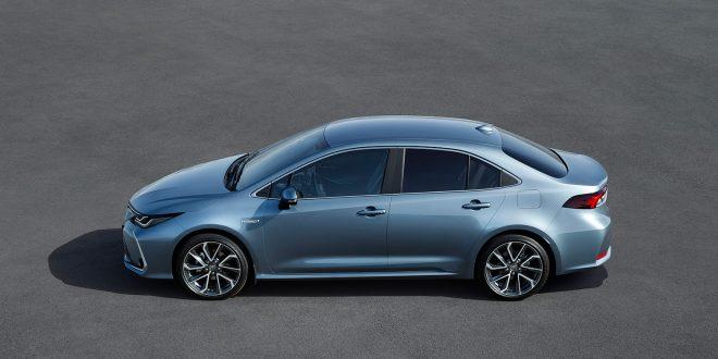 Toyota viser nå fram den tredje Corolla-varianten, sedanutgaven. (Alle foto: Toyota)
