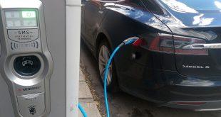 Lademuligheter og billig parkering er viktig for elbil-bruken. (Foto: Bil24)