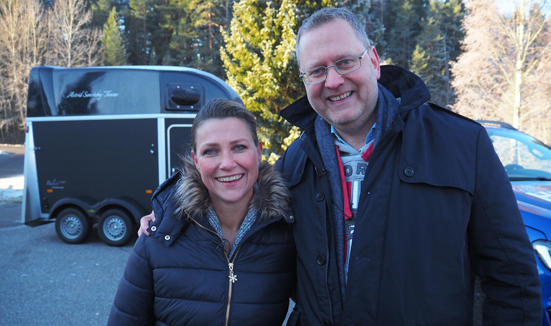 Klar for konkurranse: Partner i Hest360, prinsesse Märtha Louise, og administrerende direktør i Ford Motor Norge, Per Gunnar Berg. (Foto: Ford)