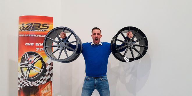 Anders Adali er tidligere yrkeskriminell, og viser oss hvor raskt et hjul kan stjeles. (Foto: ABS Wheels)