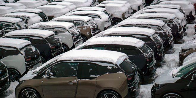 Mange får muligens en fin inngang på julen, for dette er noen av de helt nye BMW i3 som akkurat har ankommet Norge. (Alle foto: Dan Tore Rønningen, Auto Transport Service/BMW)