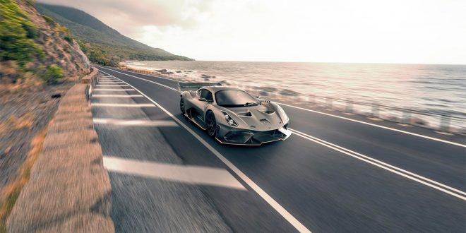 Dette er en helt vill superbil. Og nå blir det lov å kjøre den på veien også. (Alle foto: Brabham)