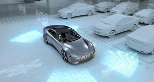 Hyundai og Kia viser nå hvordan en bil selv kan kjøre til en ladestasjon. (Begge foto: Hyundai)