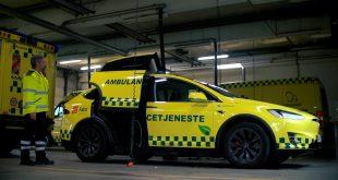 Falck i Danmark har laget en utrykningsbil ut av Tesla Model X, og snart kommer en elektrisk ambulanse også. (Alle foto: Falck)