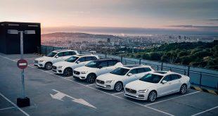 Volvo ruller som aldri før, og satte rekord i 2018. (Begge foto: Volvo)