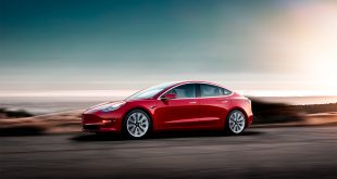 Det ruller ikke så mange Model 3 rundt om i verden ennå. (Foto: Tesla)