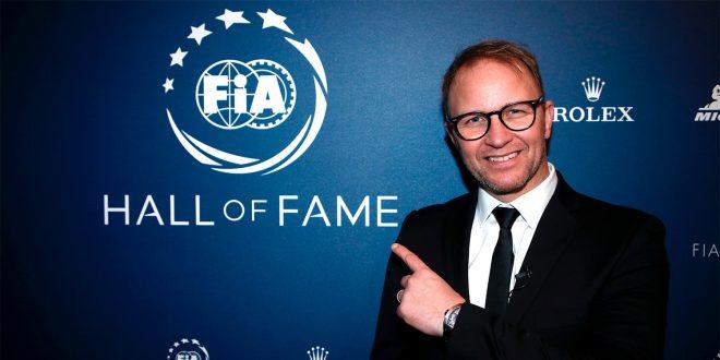 Petter Solberg er nå en ekte stjerne. (Begge foto: VW)
