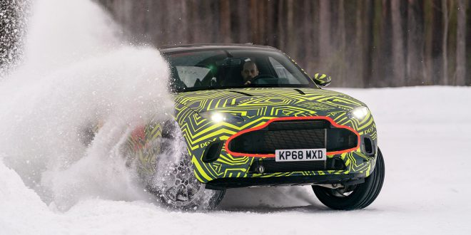 Aston Martin bygger sin første SUV-modell, og den nærmer seg nå. (Alle foto: AM)