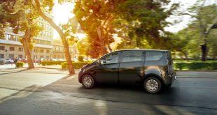 Sono kommer med en elbil kledd med solcellepanel. (Alle foto: Sono)