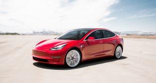 Utleveringene av Tesla Model 3 er nå i gang. (Begge foto: Tesla)