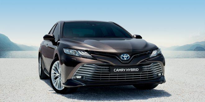 Nye Toyota Camry holder seg godt under en halv million kroner når den gjør comeback i Norge. (Alle foto: Toyota)