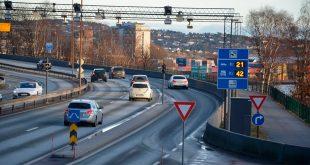 Inntektene rundt bommer har økt siden 1990. (Foto: Jo Vegar Aardal, Statens vegvesen)