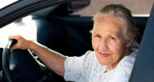 Eldre norske bilførere har strengere regler enn våre naboland. (Foto: NAF/Colourbox)