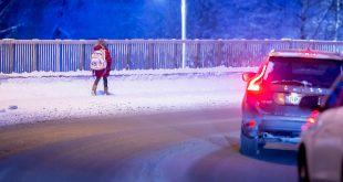 Vær forsiktig i den vanskelige vintertrafikken. (Illustrasjonsfoto: Morten Brakestad, Trygg Trafikk)