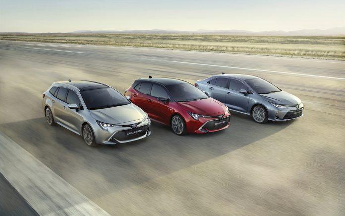 Toyota Corolla gjør europeisk comeback, og kommer med to hybrid-motorer. (Begge foto: Toyota)