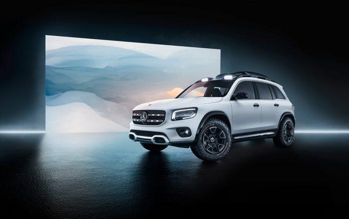 Mercedes fyller nå tomrommet mellom GLA og GLC, og viser fram en konseptmodell av GLB. (Alle foto: Daimler)