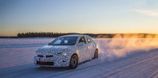 Opel har testet den nye Corsa i -30 grader. (Begge foto: Opel)