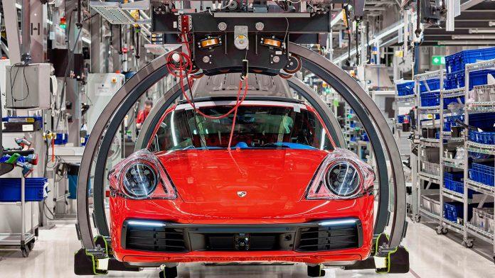Porsche har kuttet utslippene rundt bilproduksjon ganske så betraktelig. (Alle foto: Porsche)