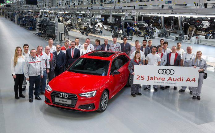 Audi A4 runder i mai 25 år. (Alle foto: Audi)