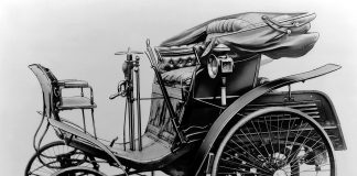 Dette er vedens første masseproduserte bil, og den kom for ganske så eksakt 125 år siden. (Alle foto: Daimler)