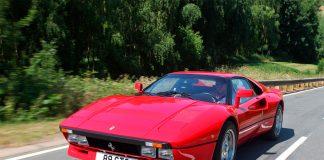 En mann som skulle teste en supersjelden Ferrari 288 GTO så sitt snitt til å stikke av med bilen. (Illustrasjonsfoto: Newspress)
