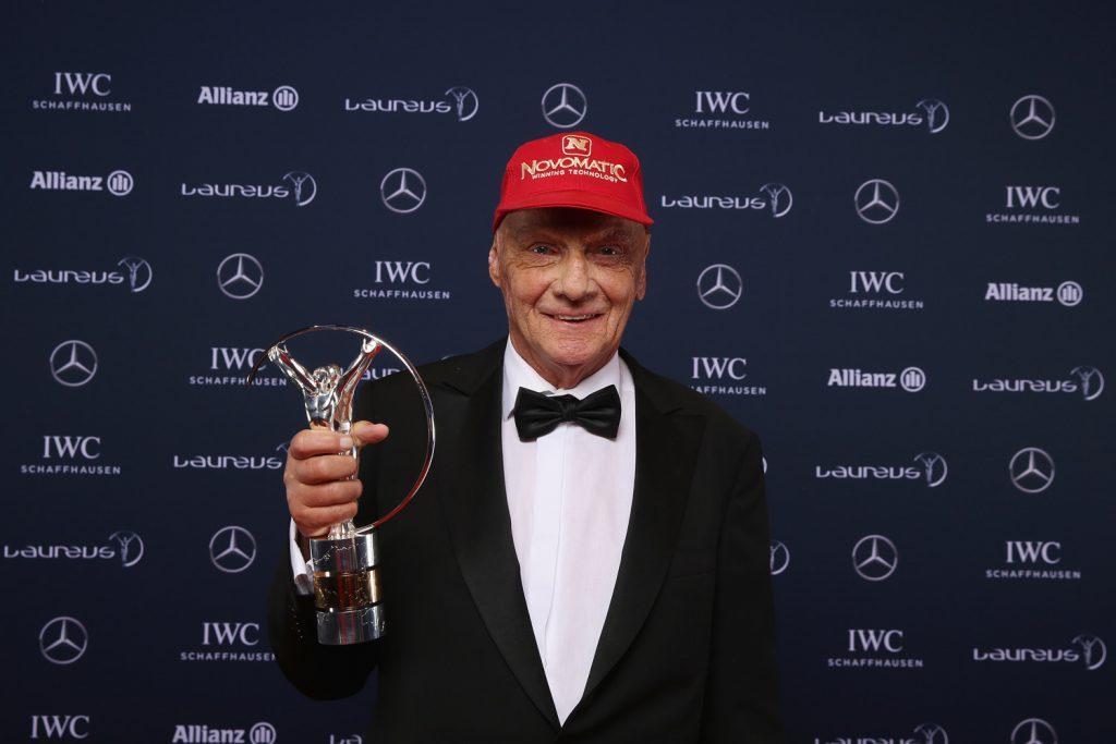 Niki Lauda er hedret med en rekke priser, og er en av de store legendene i formel 1. (Foto: Mercedes)