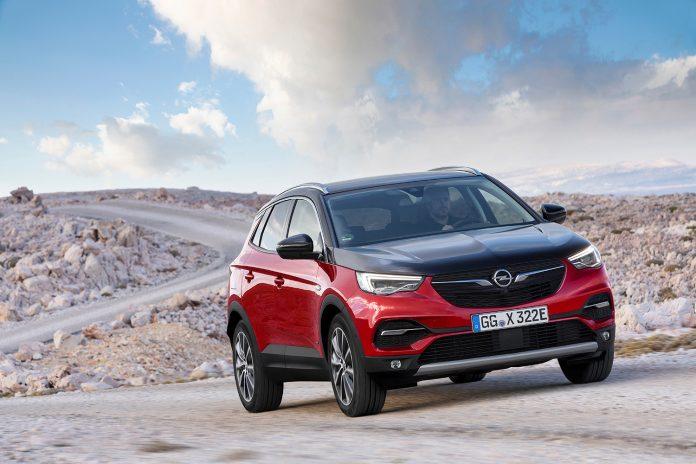 Opel Grandland X kommer nå som ladbar hybrid. (Alle foto: Opel)