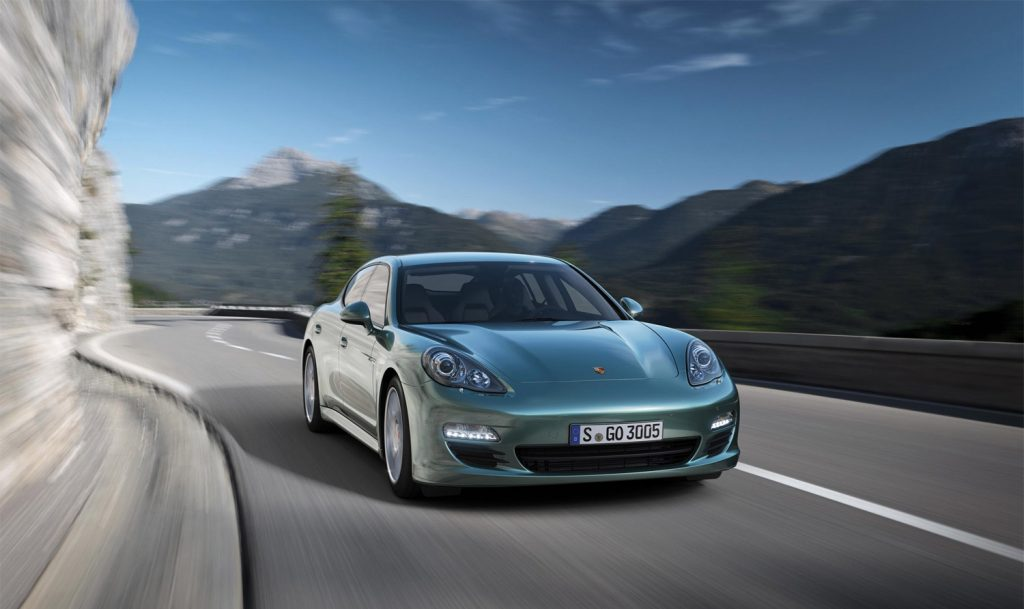 Dette blir et sjeldent syn i framtiden, en Porsche med diesel. Her er Panamera Diesel.