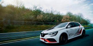 Denne Renault Mégane R.S. Trophy-R er en lynrask forhjulsdrevet bil som det er mulig å kjøpe rett fra forhandleren. (Begge foto: Renault)