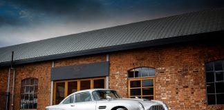 Dette er uten tvil en av verdens mest berømte biler, James Bonds Aston Martin DB5 med spionutstyr. (Alle foto: RM Sotheby's)