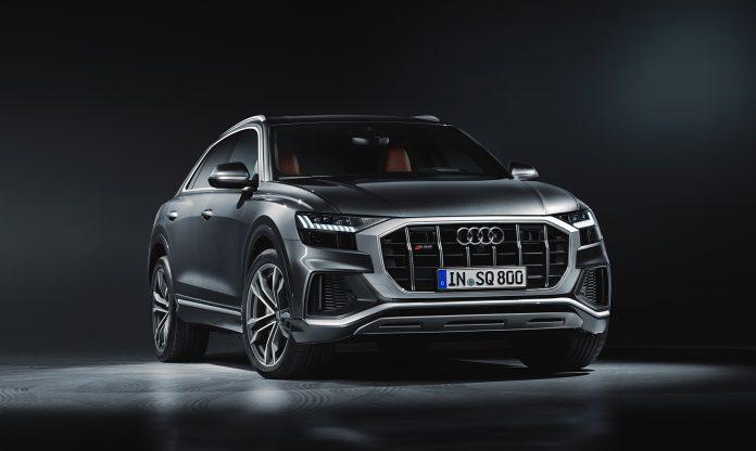 Audi kommer nå også med en S-versjon av flaggskipet i Q-familien. (Foto: Audi)