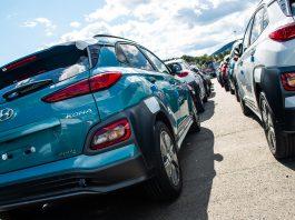 Takket være incentiver har Norge blitt et foregangsland for elbiler, men mange land tar seg ikke råd til å sponse elektriske biler på samme måte. Her er den nye Hyundai Kona electric som kom i fjor. (Foto: Hyundai)