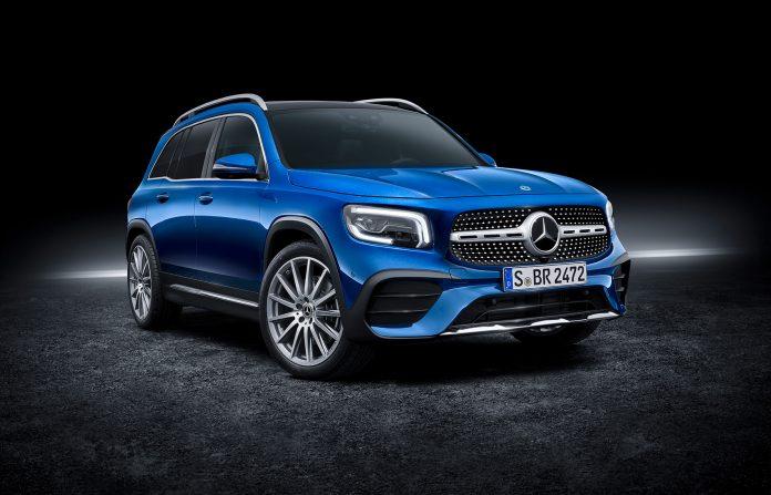 Mercedes tetter nå hullet mellom GLA og GLC, og vil komme med GLB senere i år. (Alle foto: Daimler)