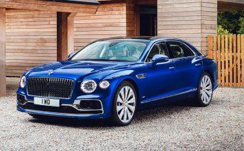 Bentley auksjonerer bort en Flying Spur First Edition til inntekt for Elton Johns aids-fond. (Alle foto: Bentley)