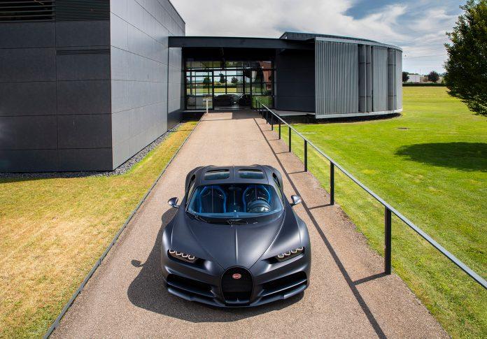 Bugatti har nå satt sammen 200 av de planlagte 500 bilene av Chiron. (Alle foto: Bugatti)