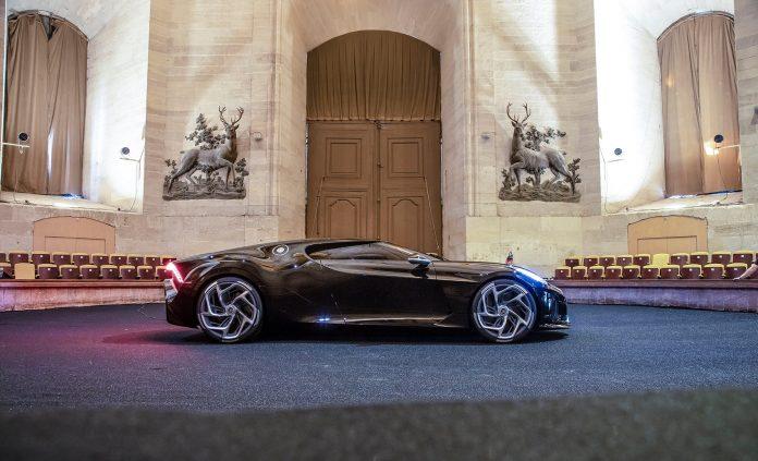 Bugatti La Voiture Noire er verdens dyreste nybil, og intet mindre enn en svart juvel. (Alle foto: Bugatti)