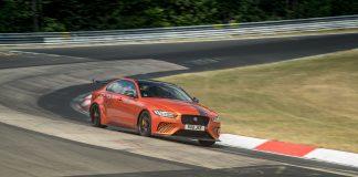 Jaguar har luftet råskinnet XE SV Project 8 på Nordschleife, noe som har ført til ny rekord. (Begge foto: Jaguar)