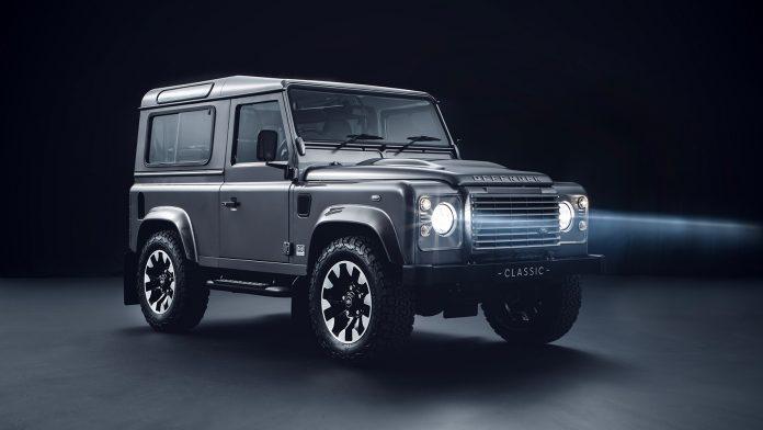 Land Rover kommer nå med oppgraderinger som tar Defender et hakk nærmere en jubileumsmodellen Defender Works V8. (Alle foto: Land Rover)