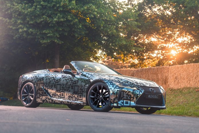 Lexus bekrefter at kabrioletutgaven av LC coupé kommer i «nær framtid». (Alle foto: Lexus)