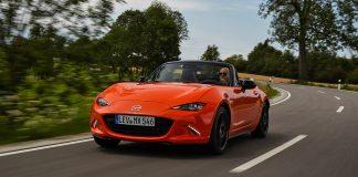 Mazda hyller MX-5 som kom for 30 år siden med en spesialutgave. (Alle foto: Mazda)