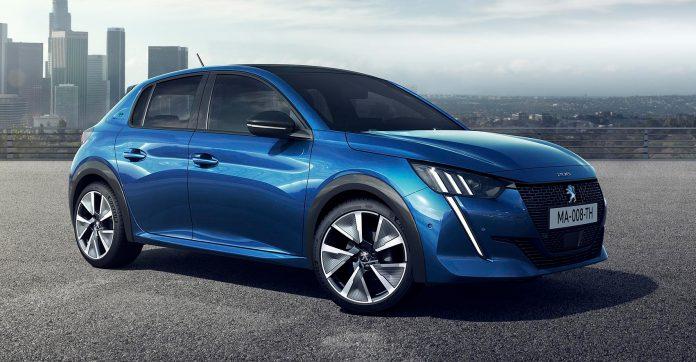 Peugeot har satt pris på den kommende elbilmodellen e-208, og den starter under 250.000 kroner. (Begge foto: Peugeot)