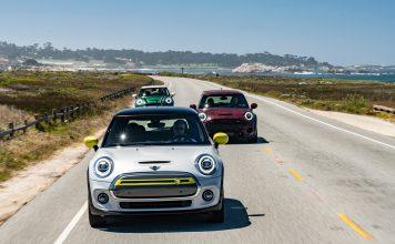 Mini har vist fram to kommende modeller, elbilen Mini Cooper SE og Mini John Cooper Works GP (bak). (Foto: Mini)