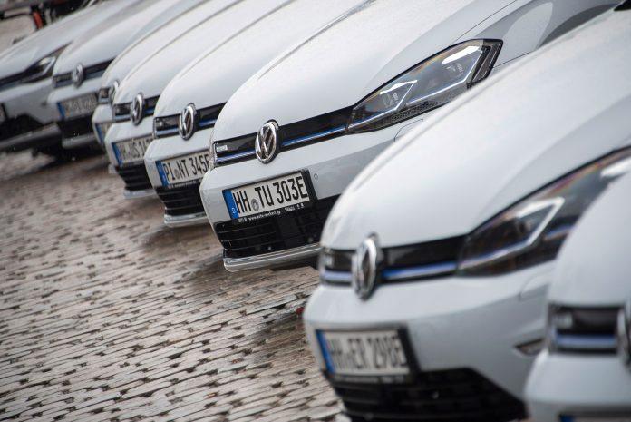 Volkswagen Golf var julis mestselgende bilmodell i Norge. (Begge foto: VW)