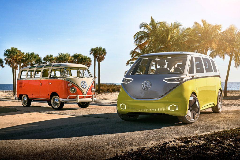 To sjarmerende generasjoner møtes. (Foto: Volkswagen)