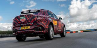 Aston Martins aller første SUV kalt DBX blir litt av en villstyring. (Alle foto: Aston Martin)