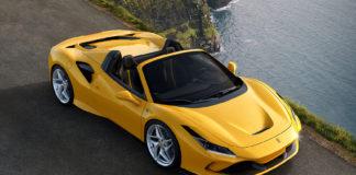 Ferrari har nå kappet taket av F8 Tributo, og presenterer F8 Spider som har verdens beste motor. (Alle foto: Ferrari)
