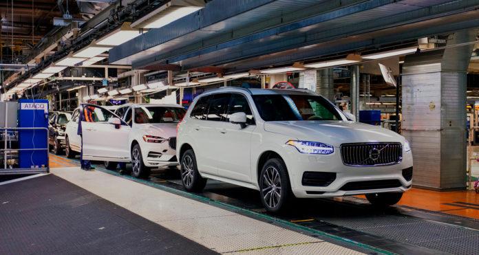 Volvo er nå ganske så klar med basismodellene av XC90 som skal leveres til Uber. (Alle foto: Volvo)