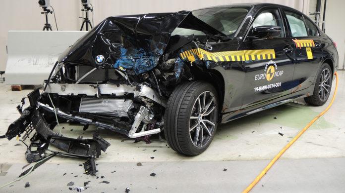 BMW 3-serie innkasserte 5 stjerner i den siste Euro NCAP-testrunden, men alle var ikke like sikre. (Begge foto: Euro NCAP)
